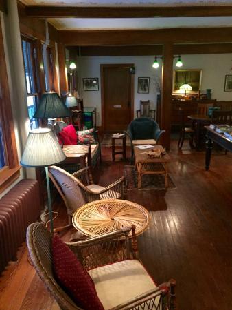 Front room of Lakeside Inn