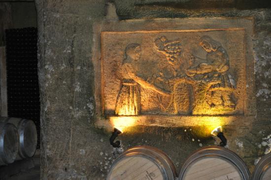 Saint Colomb de Lauzun, ฝรั่งเศส: Caves with history