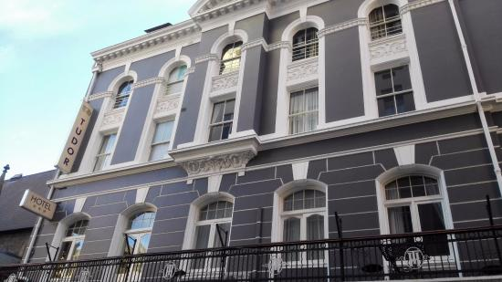 Tudor Hotel: View from Longmarket street
