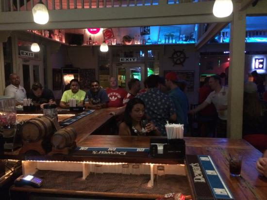 Woodbrook, Trinidad: Bar a bit more crowded