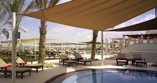 Crowne Plaza Sohar: Pool view