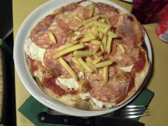 Ca'du Ghilla : Pizza stracchino salame e patatine