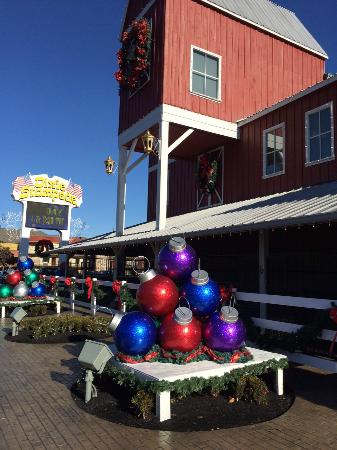 dolly partons stampede dinner attraction some holiday decor