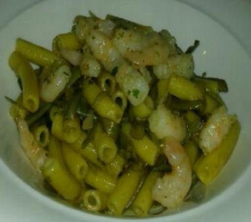 Castellucchio, Italia: pasta con carciofi e gamberi