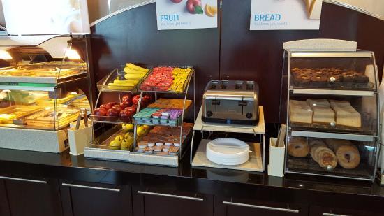 breakfast buffet picture of holiday inn express hotel suites rh tripadvisor co nz breakfast buffet dallas ga breakfast buffet dallas area