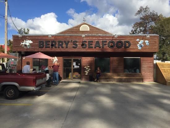 Photo of Berry's Seafood Express Market in North Myrtle Beach, SC, US
