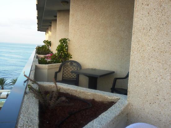 Kleiner Balkon Foto Van H10 Conquistador Playa De Las Americas