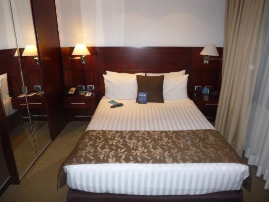 Howard Johnson Hotel Quito: Habitación
