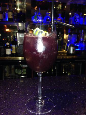 The Horsa Bar at Hengist: photo7.jpg