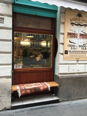 Budapest Barber Shop Dob