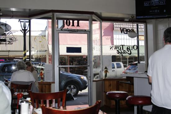 Old Town Cafe': Looking out onto Mill St. from Old Town Cafe