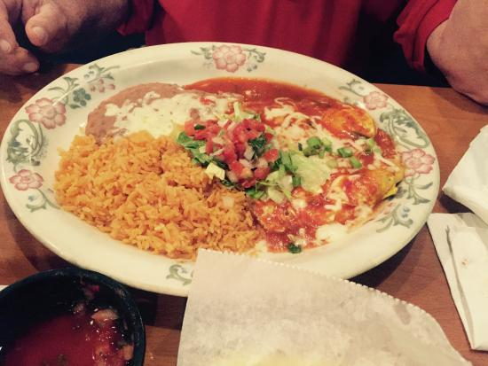 Torero's Mexican Restaurant: Pick two of choice plate