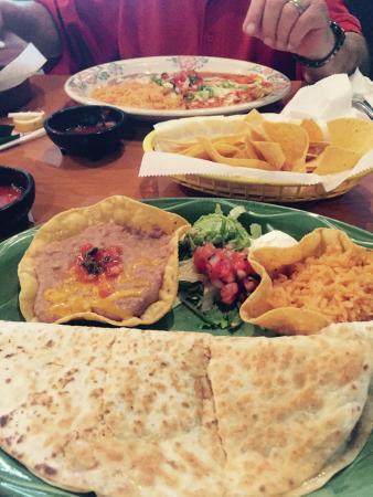 Torero's Mexican Restaurant: Quesadilla