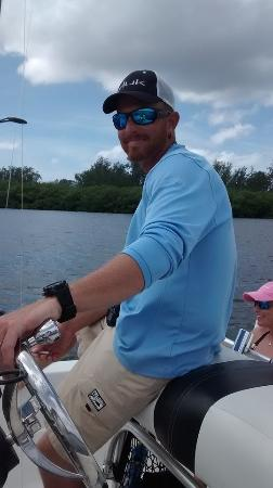 Boca Grande, FL: Captain Andrew was extremely skilled in manouevering his boat in tight confines to put us on fis
