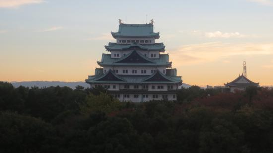 Aichi Prefecture, Japon : Nagoya Castle by Morning