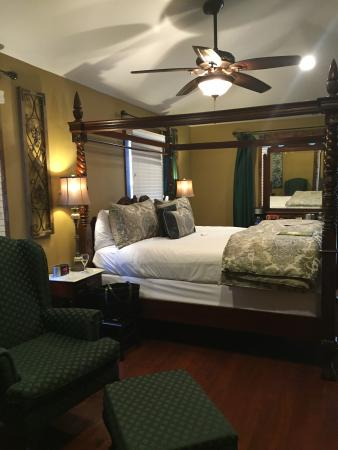 Carriage Way Bed & Breakfast Picture