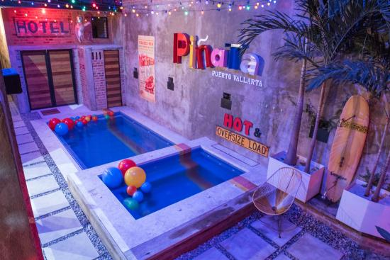 Piñata Gay Guest House