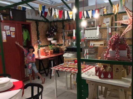 ikea restaurant ikea christmas decorations - Christmas Decorations In Restaurants