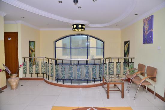 Hotel H.V. International: Lobby