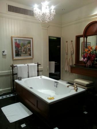โรงแรมแมนดาริน โอเรียนเต็ล กรุงเทพ: 20150515_185447_large.jpg