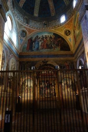https://media-cdn.tripadvisor.com/media/photo-s/09/9f/06/0d/chiesa-di-san-giacomo.jpg