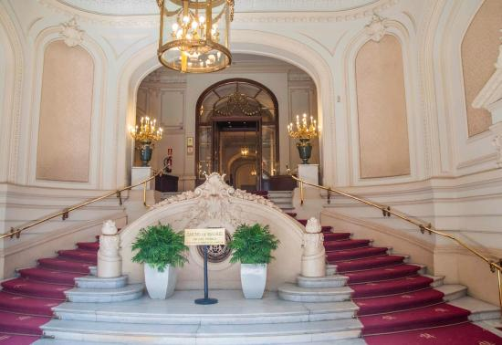 Casino de Madrid: Casino entry