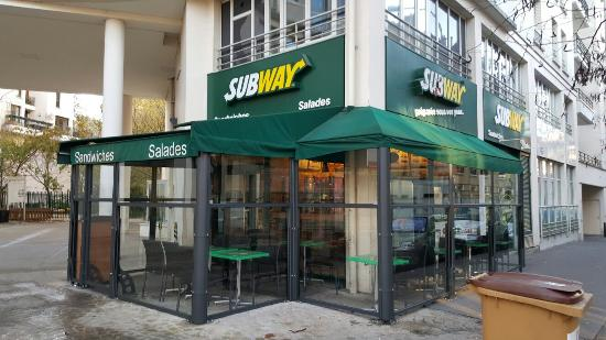 Subway Courbevoie