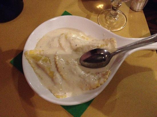 Il Boccale: Равиоли с белыми трюфелями