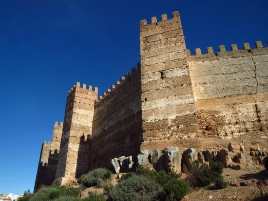 Castillo fotograf a de castillo de ba os de la encina ba os de la encina tripadvisor - Castillo de banos de la encina ...