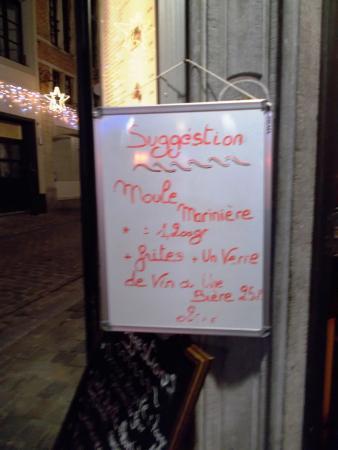 La Moule Sacree: 店頭メニュー