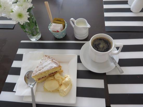 Mulranny, Irland: Coffee, Homemade Cake, Ice Cream
