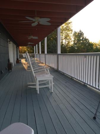 Hippensteal's Mountain View Inn: The long balcony you share with neighboring rooms.