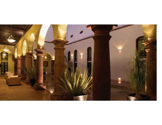 La Morada Hotel: Patio central