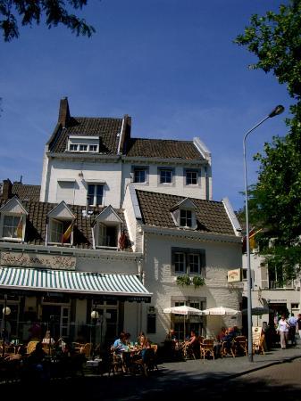 Cafe 't Pothuiske: Cafe Exterior