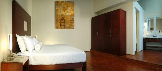 La Morada Hotel: Patio suite