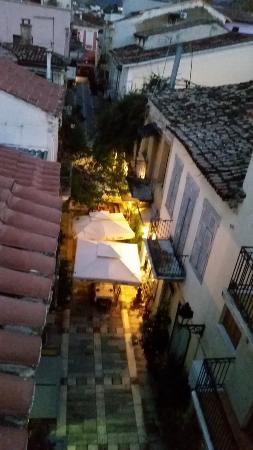 Kyveli Suites : uitzicht vanaf balkon