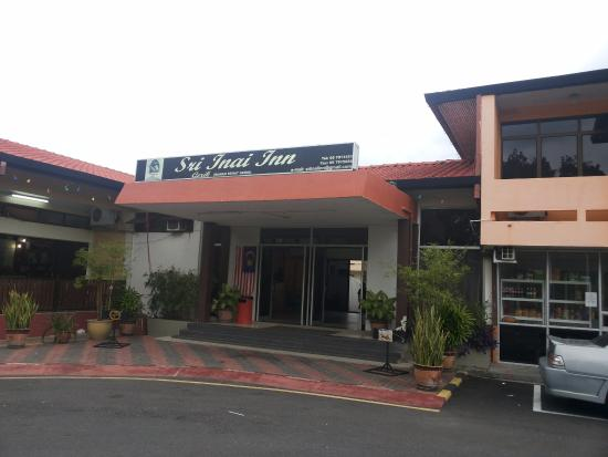Sri Inai Inn : Parking