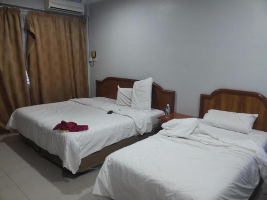 Sri Inai Inn: Room