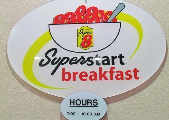 Super 8 Williams East/Grand Canyon Area: Super Start breakfast area/lobby