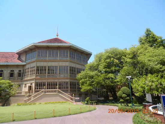 Abhisek Dusit Throne Hall: 7