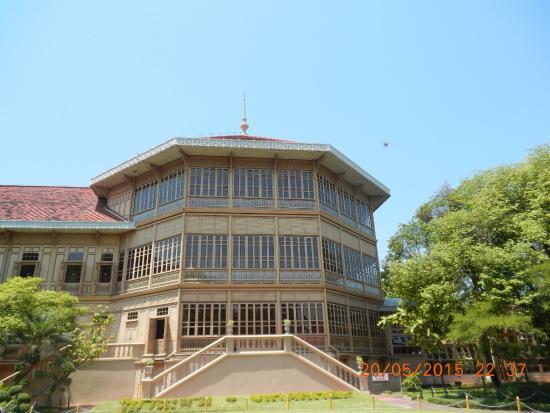Abhisek Dusit Throne Hall: 4