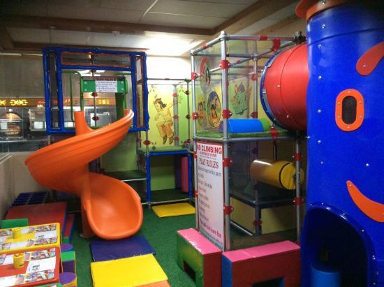SPUR: Kids play room