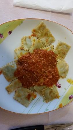 Sesta Godano, İtalya: Ravioli con ragu di carne