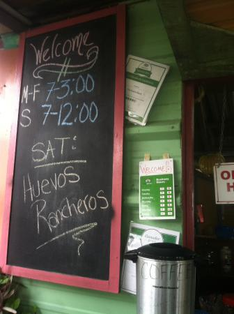 The Snack Shack : Hours and trip advisor awards!