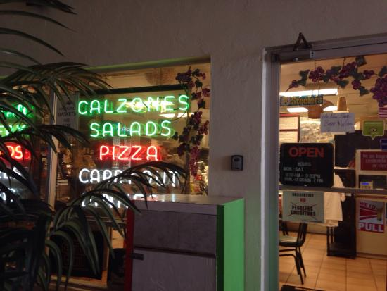 Francesco's Italian Deli & Pizzeria: photo0.jpg