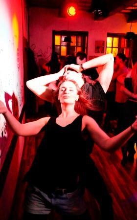 Check'In Baras: Latin dance night