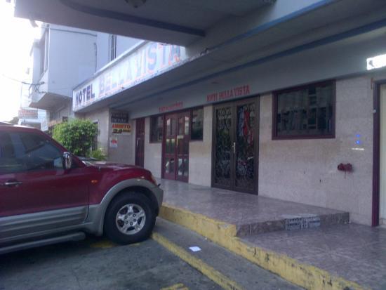 هوتل بيلا فيستا: entrada hotel
