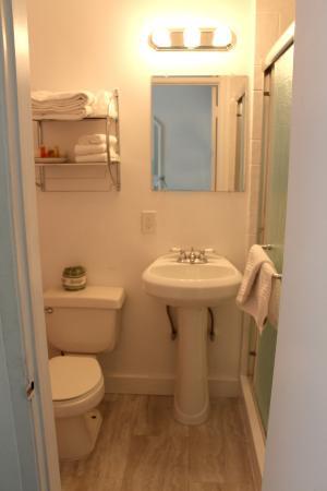 Bayside Hotel: Bathroom