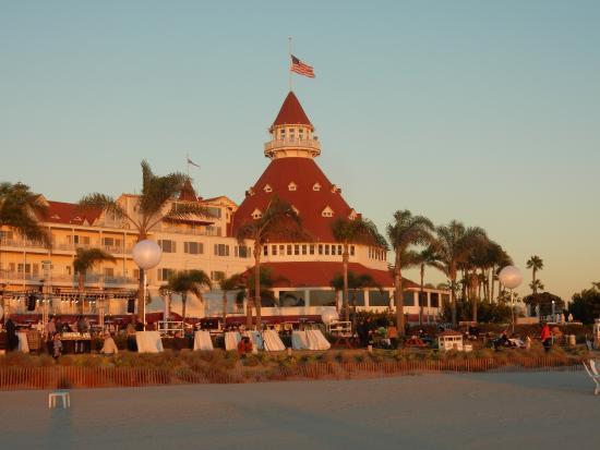 Coronado Beach Resort The Historical Hotel Del Across Street