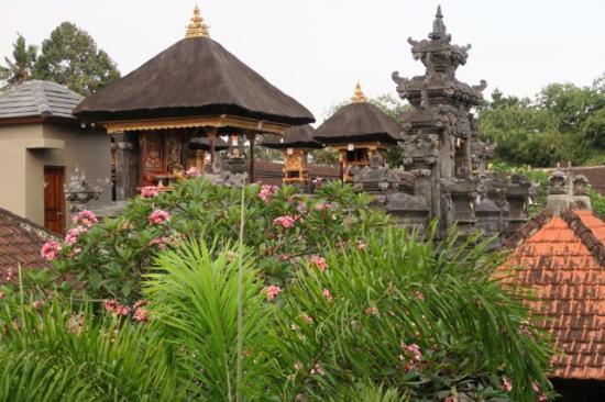 Alas Petulu Cottages: Hotel Temple